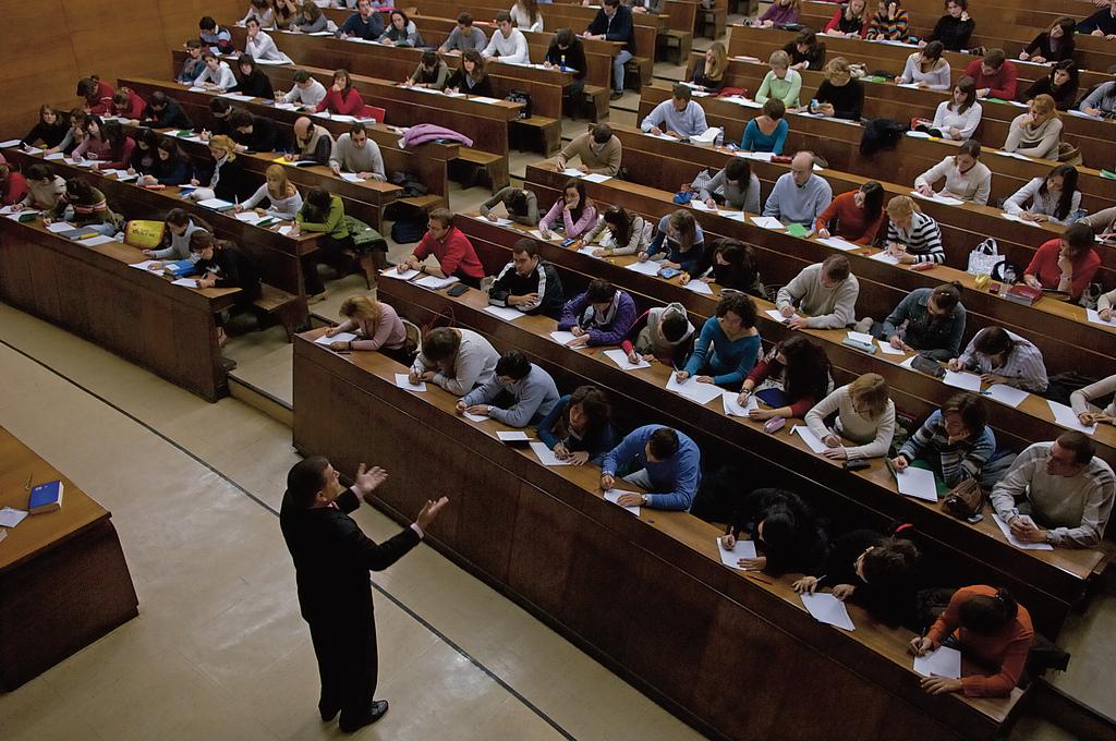 Foto de Falta de calidad y otras asignaturas pendientes de la Universidad según los estudiantes
