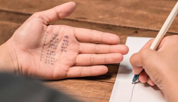 Foto de Chuletas para exámenes: ¿un buen método para aprobar?