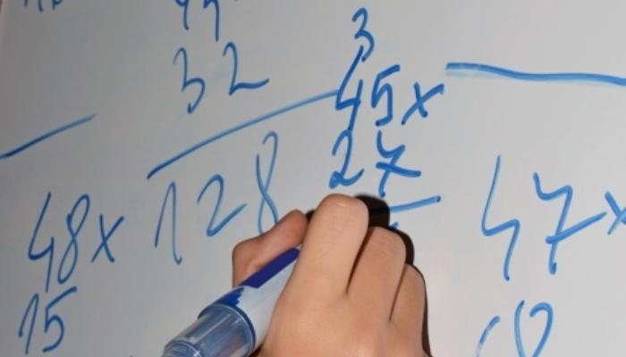Foto de Una semana escolar de cuatro días podría mejorar el rendimiento en matemáticas