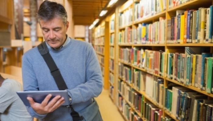 Foto de Universidad para Mayores de 40: requisitos del 'nunca es tarde'