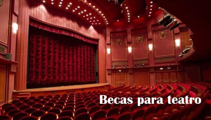 Foto de Agenda de becas con el teatro como telón de fondo