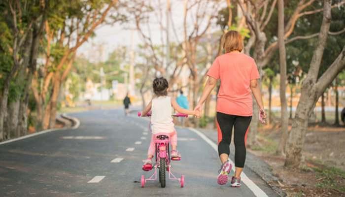 Foto de Deporte en familia: ¿cuánto tiempo dedicarle y qué ejercicios se recomiendan?
