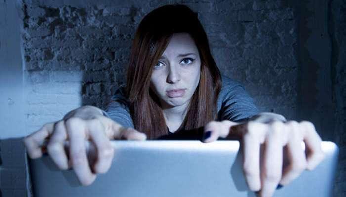 Foto de El móvil y Whatsapp son los canales más utilizados para el ciberbullying