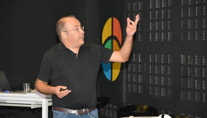 Foto de Juan Medina, el 'youtuber' español de las matemáticas