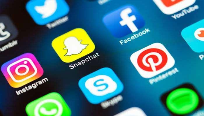 Foto de Snapchat, WhatsApp y otras empresas de mensajería instantánea en plena campaña de contratación