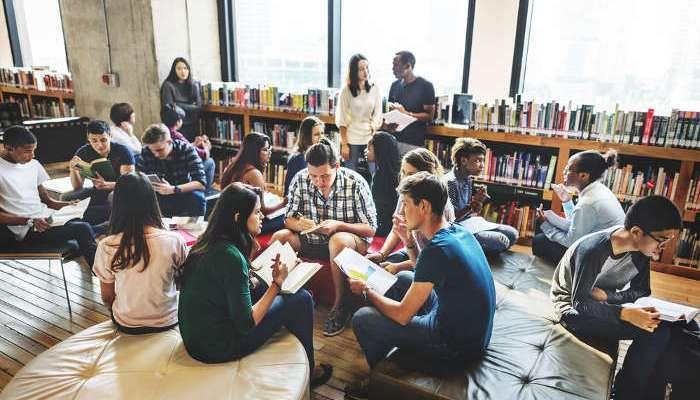 Foto de Abiertas las Becas Iberoamérica Santander de Grado: oportunidades de estudio con acento latino