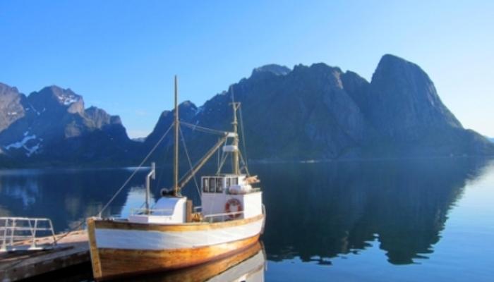 Foto de Noruega busca recepcionistas, limpiadores y vendedores para una aldea vikinga