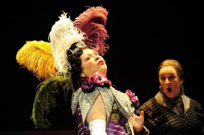 Foto de Aprende a diseñar sombreros para escenas teatrales
