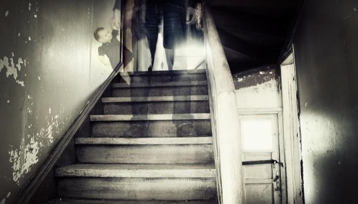 Foto de 50.000 libras por hacer de niñera y no dejarse asustar por los fantasmas