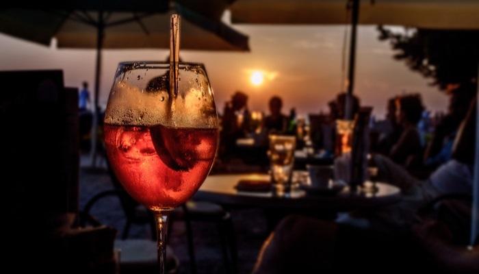 Foto de Discoteca de moda en Marbella busca personal entregado y con inglés