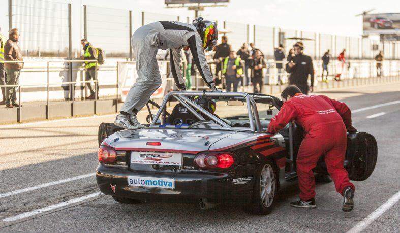 Foto de Descubre cómo funciona un equipo de competición de motor en el Circuito del Jarama