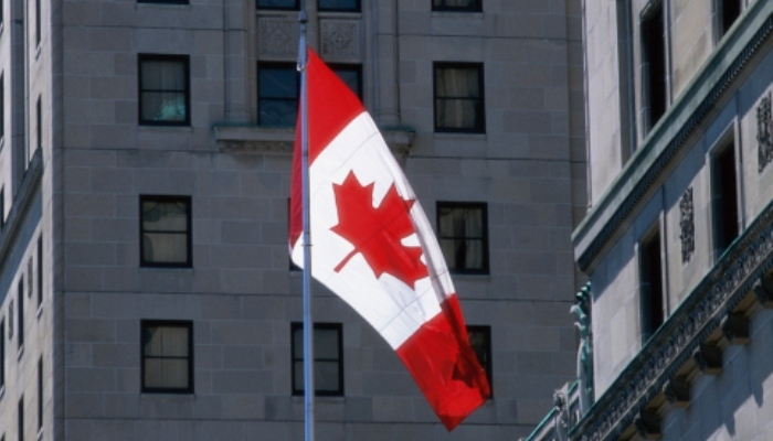 Foto de 167 becas para estudiar en Canadá buscan dueño