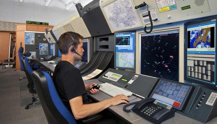 Foto de Enaire da luz verde a 99 nuevas plazas para controladores aéreos