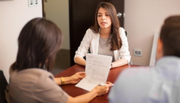 Foto de 10 preguntas frecuentes en una entrevista de trabajo. Conoce qué es lo que quieren saber de ti