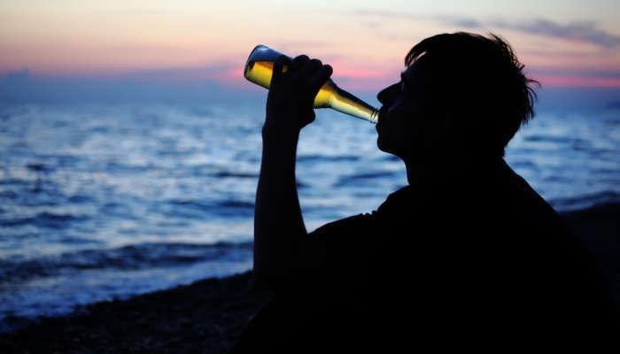 Foto de A menos resaca, más riesgo de adicción al alcohol en la adolescencia