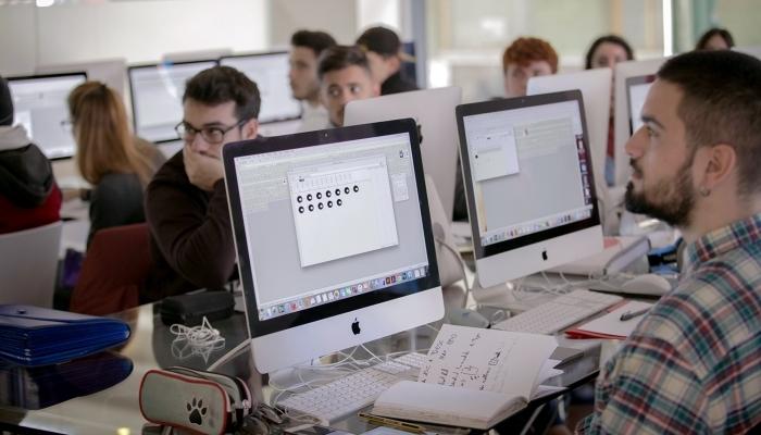 Foto de Arte, diseño, tecnología o idiomas, certifica tu futuro en Escuela Arte Granada