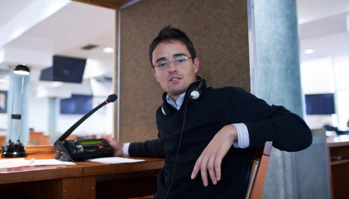 Foto de Exteriores convoca plazas para obtener el título de Traductor-Intérprete Jurado hasta en 36 idiomas