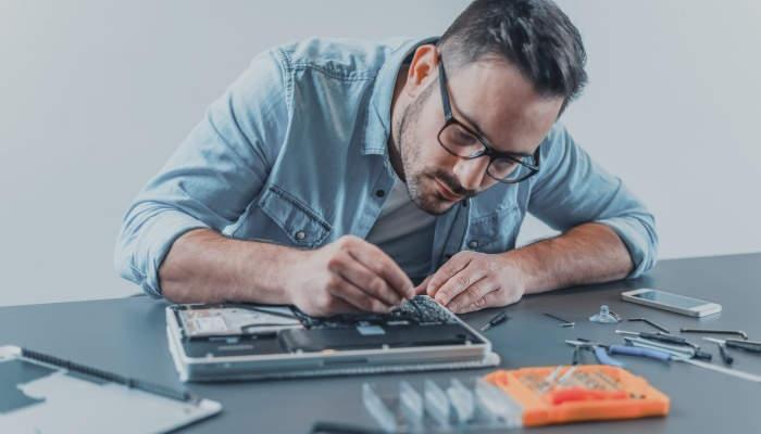 Foto de Reparar ordenadores y tablets: una oportunidad contra la obsolescencia programada