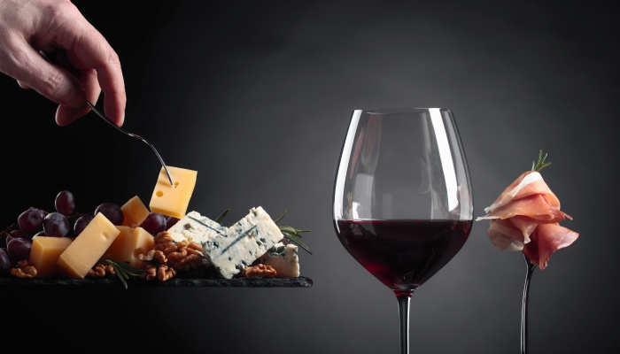 Foto de Un delicioso curso te convierte en experto de vinos, queso y jamón