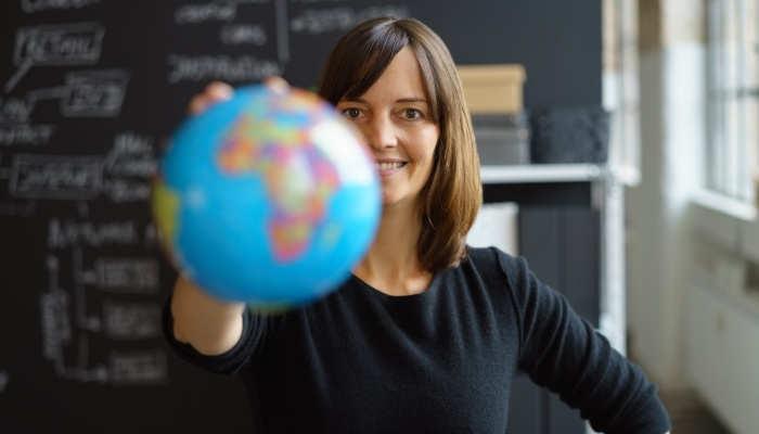 Foto de Becas para formarse como Profesor de Español y trabajar por el mundo