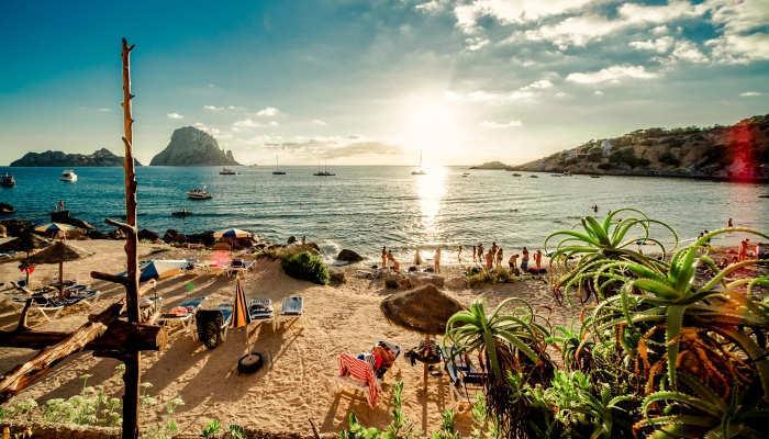 Foto de Más de 100 puestos vacantes para trabajar en un hotel de Ibiza este verano
