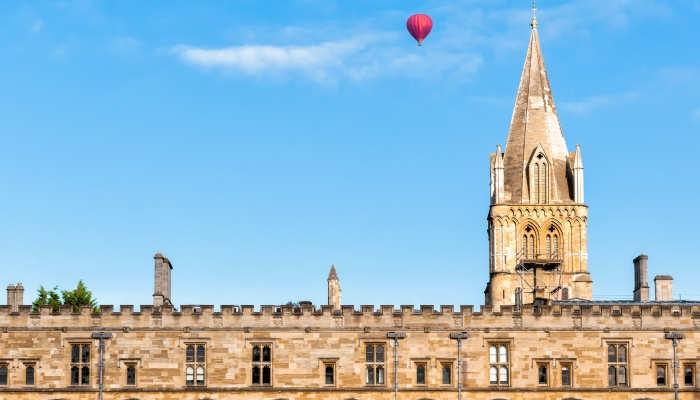 Foto de Se buscan lectores de español en Oxford y otras vacantes en UK
