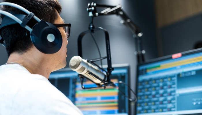 Foto de Trabajar en Radio y TV: curso de locución profesional para lograrlo