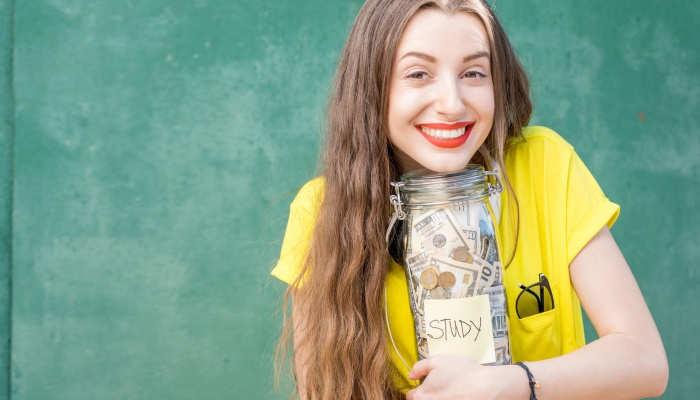 Foto de La educación es la mejor inversión: cuánto puedes ganar según tu nivel de estudios