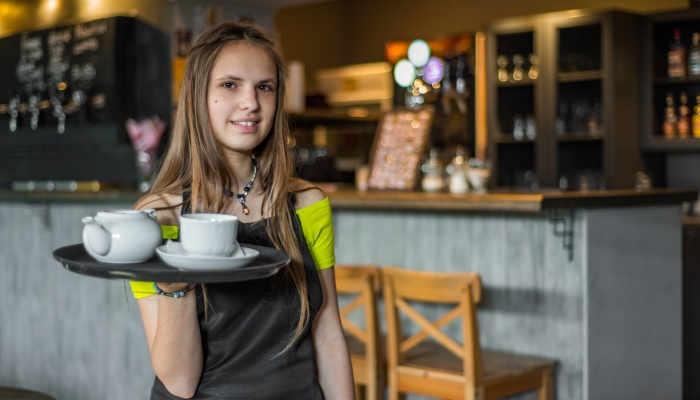 Foto de Los contratos temporales lastran el empleo de jóvenes cada vez más formados