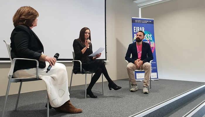 Foto de Más de 100 startups y empresarios en el Foro Nacional de Negocios, Dirección Empresarial y Emprendimiento en Madrid