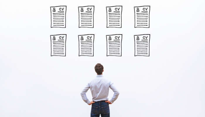 Foto de CV profesional: ¿cómo llamar la atención del reclutador si solo tengo la prepa?