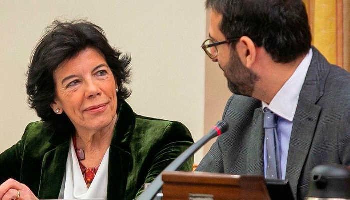 Foto de Celaá anuncia cambios en educación: adiós a la LOMCE y modificación en FP y becas