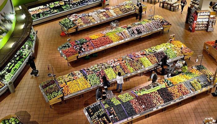 Foto de Los supermercados dan bonus a sus empleados y refuerzan plantilla para afrontar la crisis del Covid-19