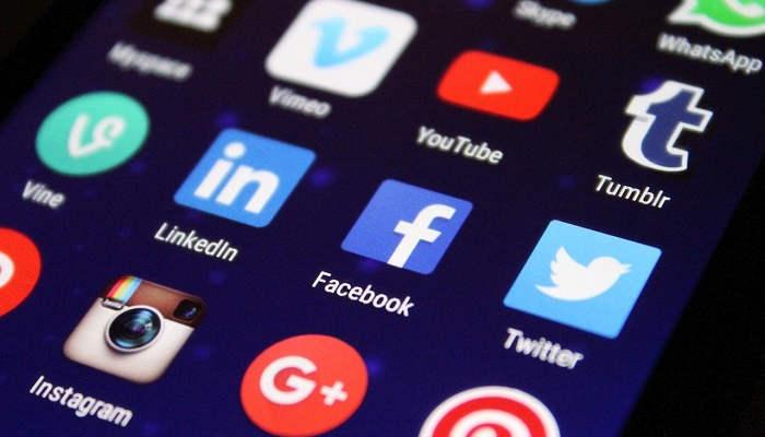 Foto de Empleo en Redes Sociales: Facebook, Instagram, TikTok o YouTube buscan talento