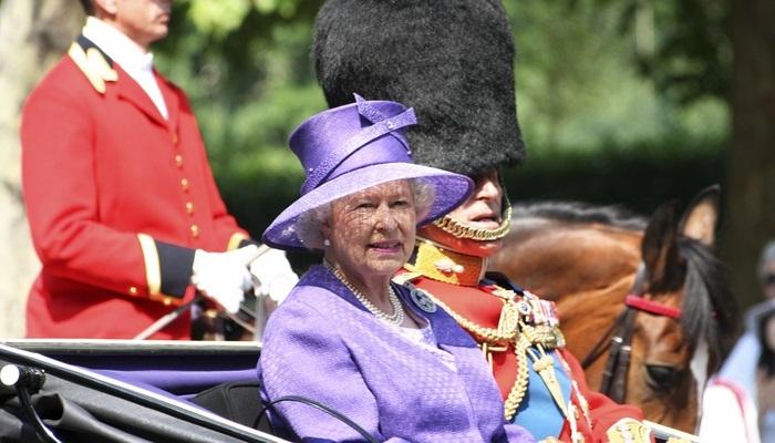 Foto de Trabajar en Buckingham Palace: vacante como asistente de la Reina Isabel II de Inglaterra